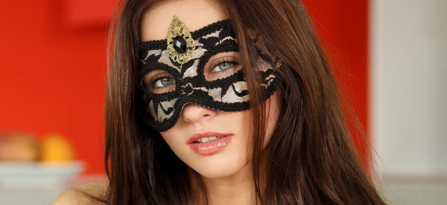 Лучшие маски для лица, который дополнят ваш стиль и образ