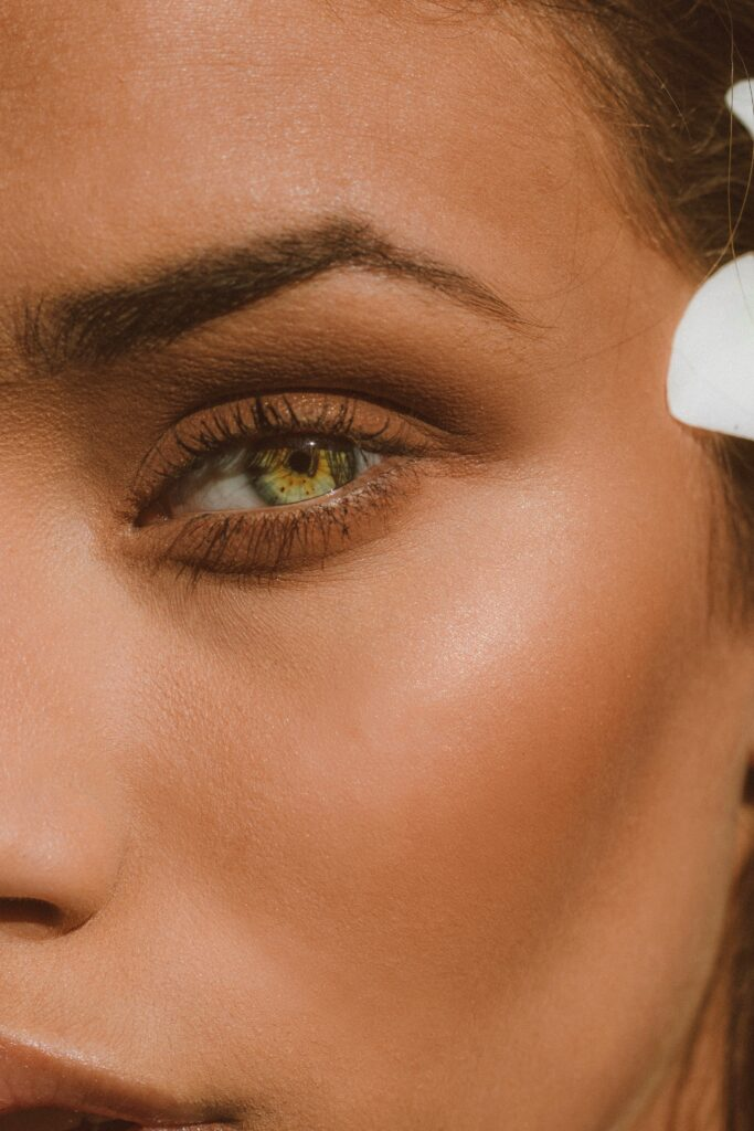 Как научиться делать макияж глаз в домашних условиях, самостоятельно